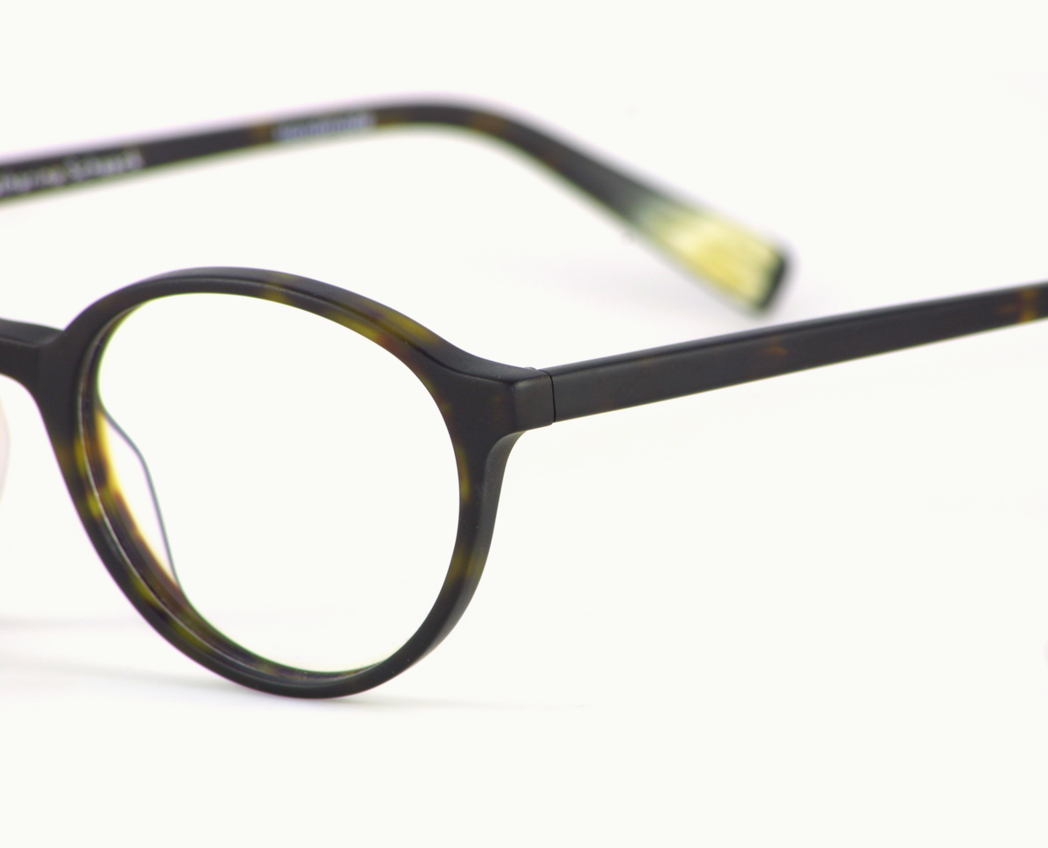 Bild: schwarze Brille von K. Schaack